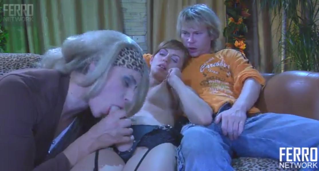 просто замечательный порно трое на одну смотреть забавная информация